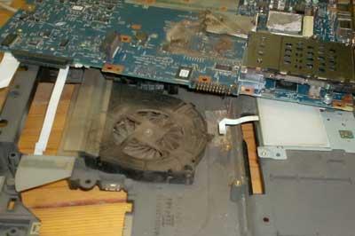 Tietokoneen puhdistus pölystä